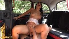 Kinky Nikita Von James gets a relaxing massage form Leya Thumb