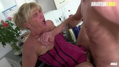 Naughty Ashlee gets seduced by her stepdaughter Kendra Thumb