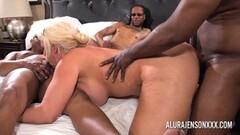 Skinny blonde ass fuck in public Thumb