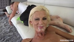 Deep fucking stepmom Olivia Blu with dad sleeping on couch Thumb