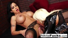 Britney Amber Behind The Scenes Thumb