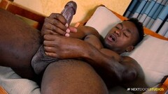 LAS FOLLADORAS - Spanish pornstar fucks amateur guy Thumb