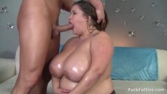 Hot tribbing action with Sophia Leone and Sierra Nicole Thumb