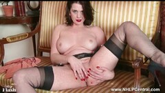 Horny Milf strips off retro lingerie toys clit in nylon heels Thumb