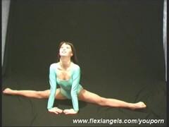 German Abena bending her body (movie) Thumb