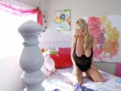 Kelly Madison Having Fun With Her Giant Natural Titties On Her Be Thumb