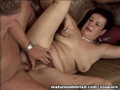 Mature glory threesome Thumb