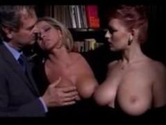 Sexy Italian Milfs fucking a big cock Thumb