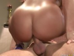 BIG TIT MILF BRUNETTE WIFE PORNSTAR LISA ANN SPICES UP HER RELATIONSHIP Thumb