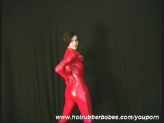 Sexy amateur Xenia in red latex Thumb