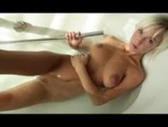 Megan   Morning Bath Thumb