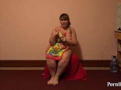 Young fat woman fucks hairy pussy zucchini Thumb