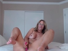 Lusty MOM Jess Ryan with pierced trimmed twat loves anal Thumb