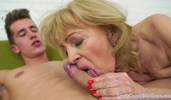 Bigass granny facialized and fucked from behind Thumb