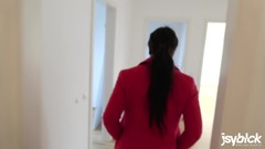 Fucking a Stranger | Riskanter Fick & Sperma schlucken für den Mietvertrag Thumb