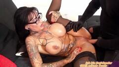 Frau bestellt Sex Sklave - german big tits femdom tattoo lonely milf order a lick slave Thumb