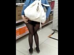 黑丝长腿女孩沃尔玛超市露出野外紫薇放尿 麻豆 CHINESE CHINA SWAG 中国国产麻豆 露脸女神 高潮颜射 高颜值美女 Thumb